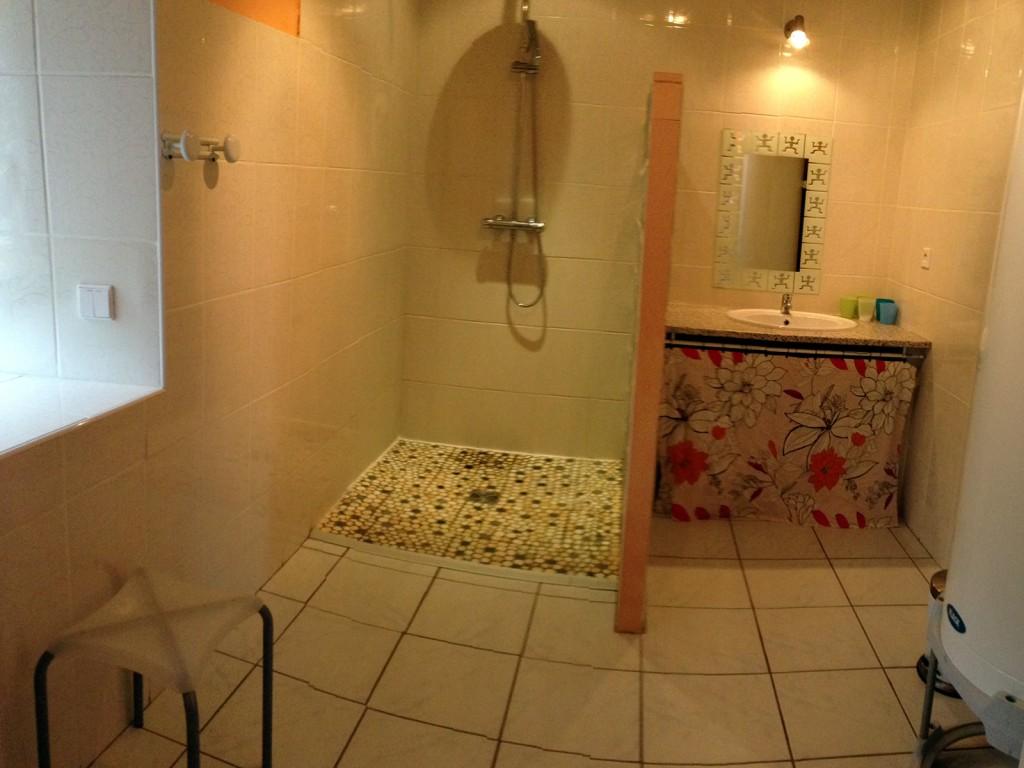 Gîte des Orges - salle de bain - douche à l'italienne